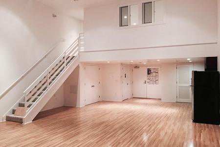1250 Missouri Street - Gorgeous loft space with a deck