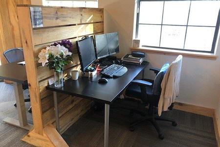 Confluence Small Business Collective - Dedicated Desk