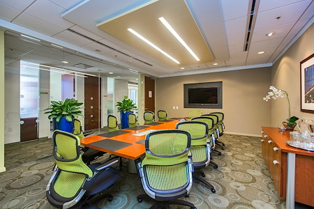 Carr Workplaces - Embarcadero Center - Golden Gate Room