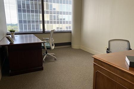 Office Evolution Clayton - Window office