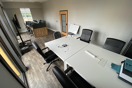 Easy Work Space (Venus) - Private Office #63/64