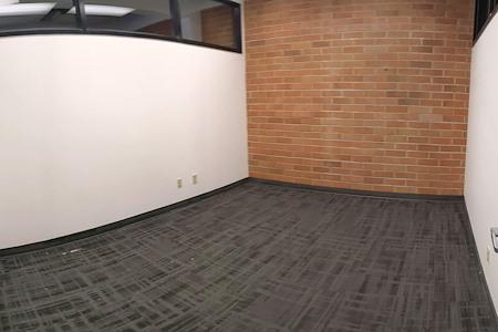 WorkSphere - Office Suite 102