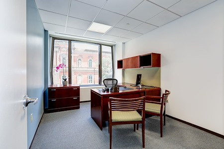 Carr Workplaces - Pennsylvania Avenue - Window Office 211