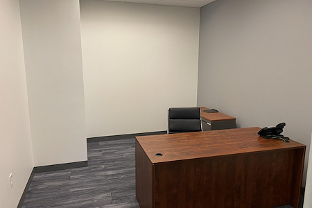 Coworking Space @ Spring Hill Metro / Tysons Corner - Office # 705