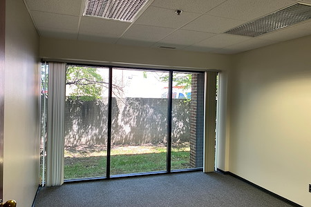 AmeriCenter of Bloomfield - Suite 110 - Deluxe Office