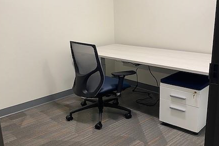 Office Evolution - Bellevue South - Private Office 143