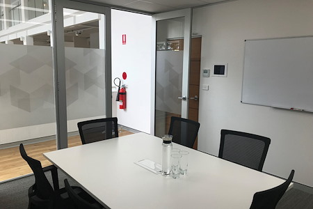 Nexus Smart Hub - Medium Meeting Room