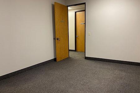 Park OffiCenter - Office 723