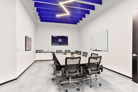 iQ Offices | 150 King Street West - King Room