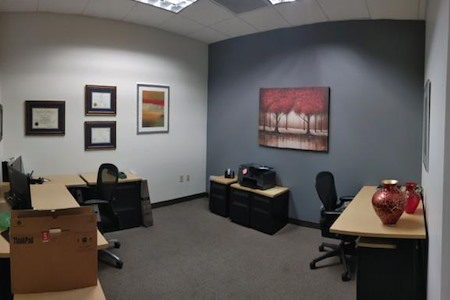 Regus | Downtown Reno - Coworking Desk