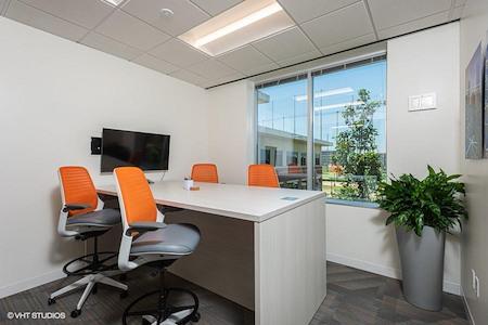 Office Evolution - Houston Energy Corridor - Solar Conference Room