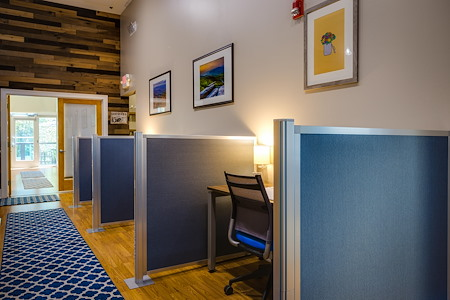 Focal Point Coworking - Dedicated Desk