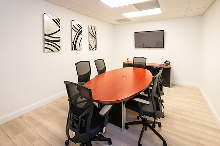 Crown Center Executive Suites (CCESuites) - New York Meeting Room