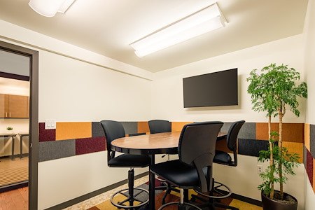 Shift Workspaces | Corona - Conference Room D
