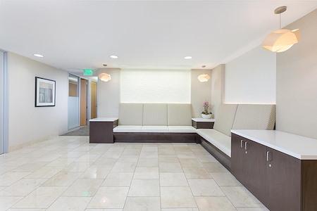 (SM3) 401 Wilshire - Premium Office