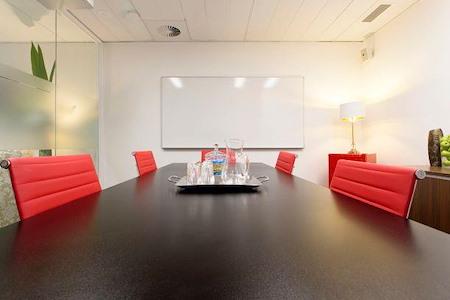 @WORKSPACES - Red Boardroom
