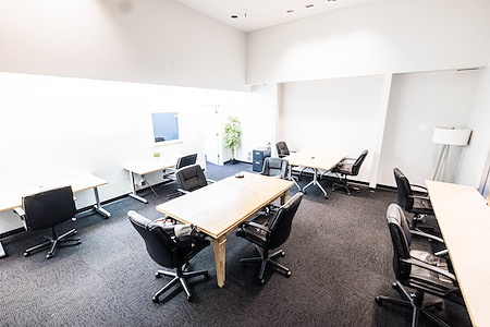 The Port @ Kaiser Mall (Uptown) - Spacious 1st Floor Private Office