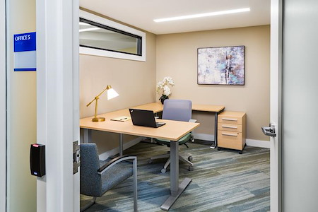 CHR HomeWorks at 1443 Beacon (Chestnut Hill Realty) - Office Suite 3