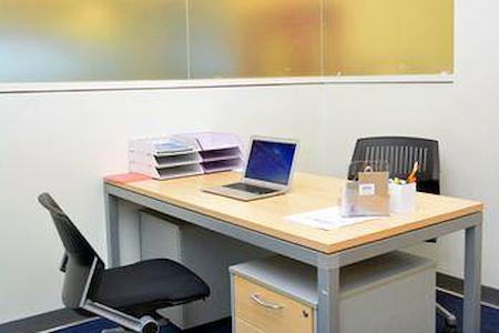 Momentum Business Center - Private Interior Suite