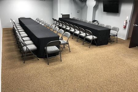 Easy Work Space (Saturn) - Auditorium Room #46