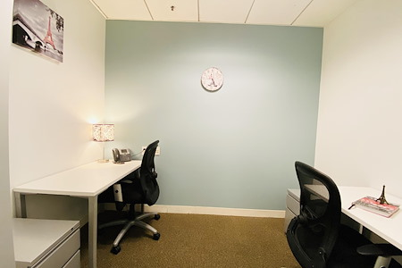 US Bank Tower - Small Private Office for 1-2 users