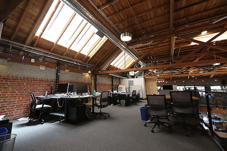 Temescal Works - Shared Workstation(24/7)