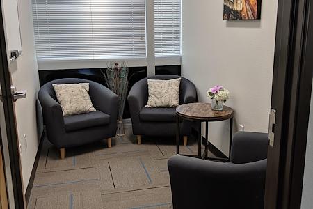 T-Werx Coworking - Breakaway - 3 person Meeting Room