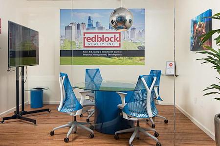 REDBLOCK CENTER - Meeting Room 1