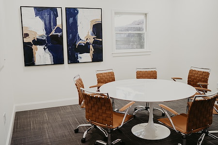 Hub 33 - Upscale Conference Room