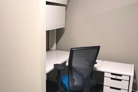 Office Evolution - Hoffman Estates - Dedicated Desk - Workstation 440