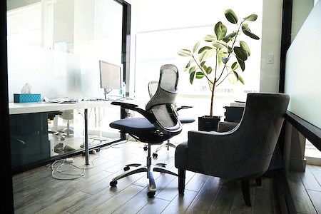 Cubico- Soho - Private 1-2 Person office