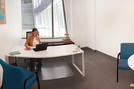 Metro Offices - Farragut - Atrium Office