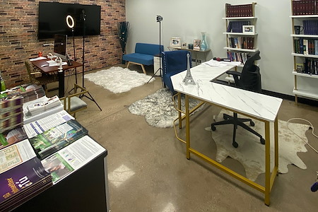 OFFIX Lincolnwood - Medium Office for 3-4