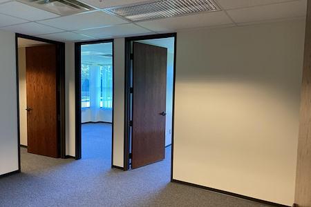 Americenter of Novi - 4 Room Team Office Space