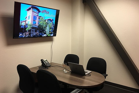 Office Evolution - Fort Collins - Small Conference Room