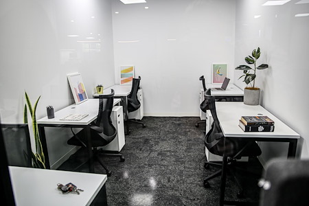 CoWork Me - 5 Person private office