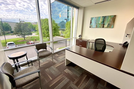 Office Evolution - Raleigh Crabtree Valley Mall - Executive Office