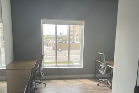 Venture X - Sherwoodtowne - 3 person's office