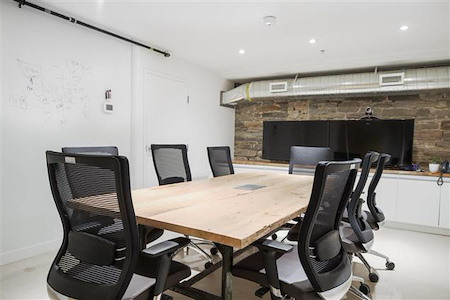 iQ Offices | 140 Yonge Street - Dineen Room