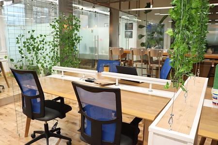 Task Up - Dedicated Desk for 2 (H-J)