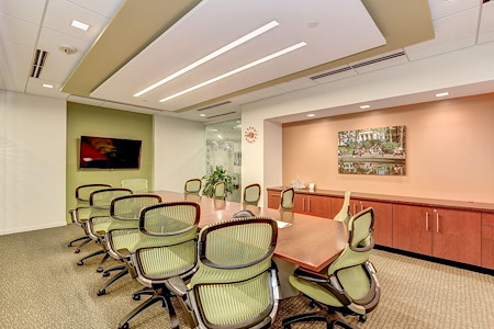 Carr Workplaces - Clarendon - Highland Conference Room