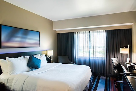 Courtyard by Marriott JFK Airport - Working from Home - Guest Room
