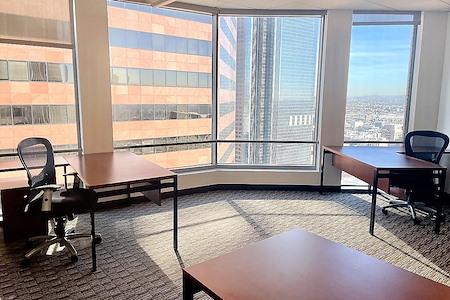 US Bank Tower - Dedicated Desk