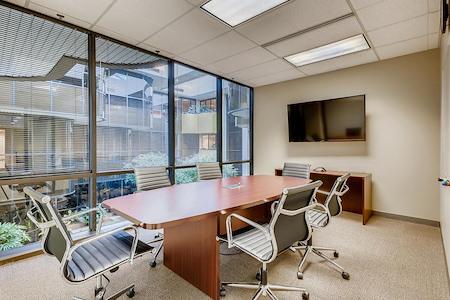 Office Evolution - Columbus - Worthington - Medium Conference Room for 6