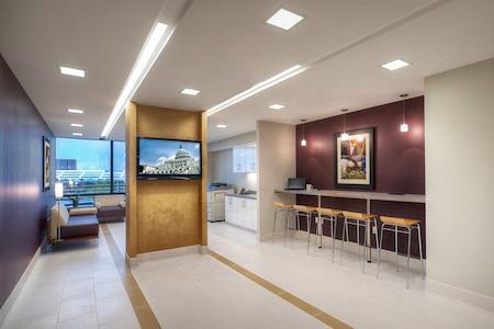 Metro Offices - Dulles/Herndon - Metro Member Lounge