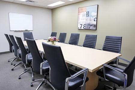 Intelligent Office Yonge Eglinton Centre - Executive Boardroom