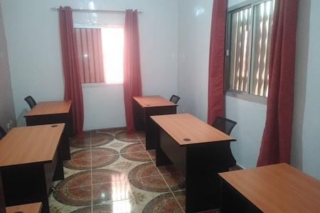 DIALLO COWORK - Desk 1