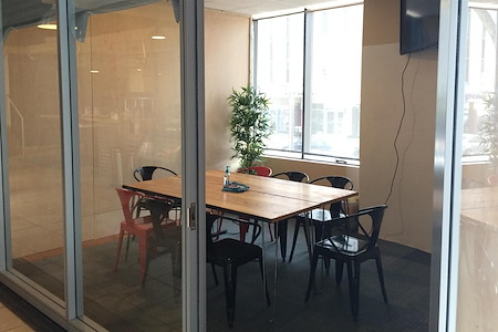 Thrive Workplace @ Cherry Creek - The Huddle Room