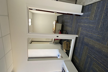 Beautiful modern Upgraded space! PLUG & PLAY - Office Suite 1