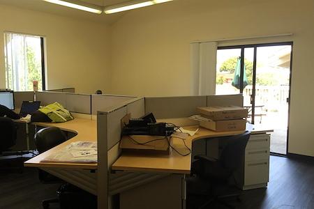 Q - Team Office for 6